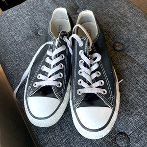 Black Converse Size 7 Women's Sneaker